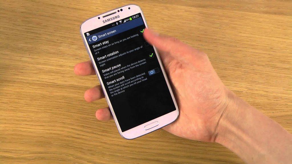 При звонке экран Samsung гаснет и не включается